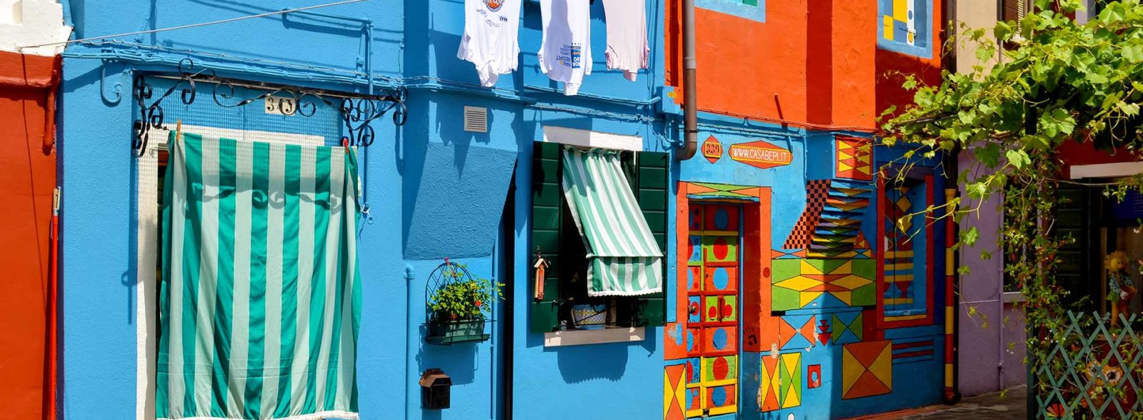 Island of Burano: how to get there and what to see